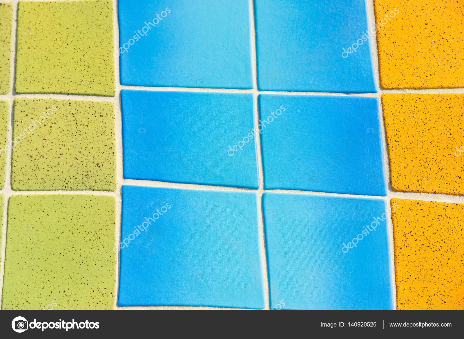 Sfondo di piastrelle colorate martellata u2014 foto stock © roboriginal