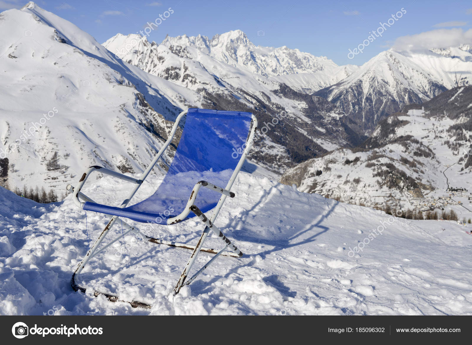 Tremendous Lounge Chair Overlooking A Valley In Valle Daosta Region Pdpeps Interior Chair Design Pdpepsorg