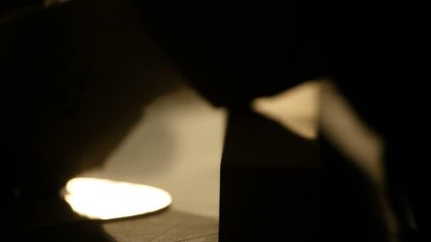 Zblízka zastřelil opatření dřevěný přesnost měření nástroj s dramatické světlo