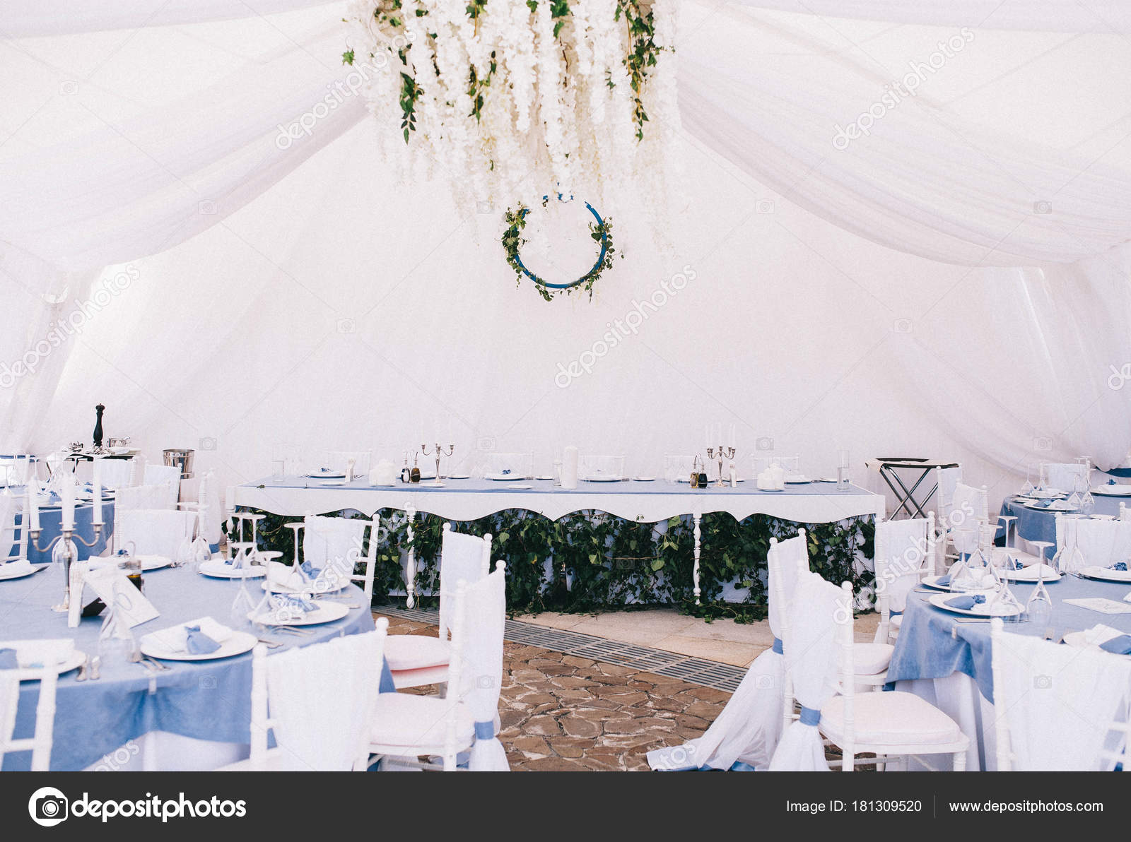 Beautiful wedding table setting and wedding decor with cutlery in light and blue tones u2014 Photo by Aksinyaeskova & Beautiful Wedding Table Setting Wedding Decor Cutlery Light Blue ...