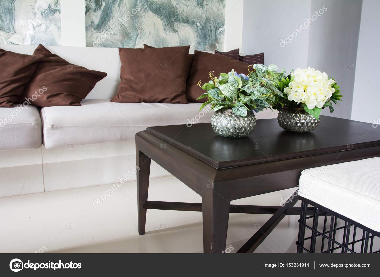 Modern Interieur Woonkamer : Modern interieur ingericht woonkamer u stockfoto torsak