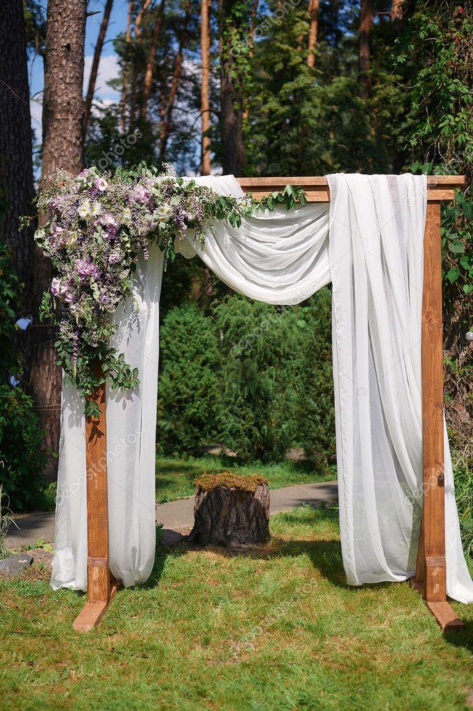 Beliebt pour la cérémonie de mariage de tissu beige et billes en bois dans  UE29