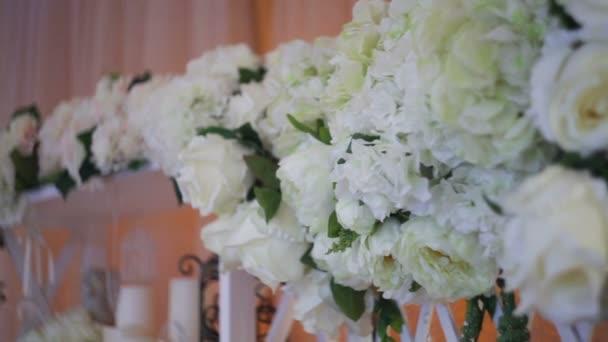 Svatební výzdoba skutečné květiny