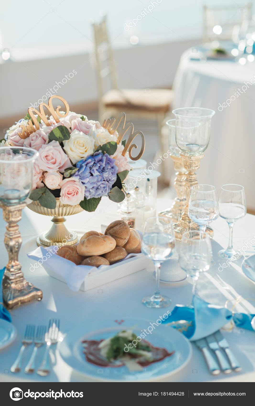 Wedding Decor Tables Island Santorini Gold Blue White Colors Bouquet ...
