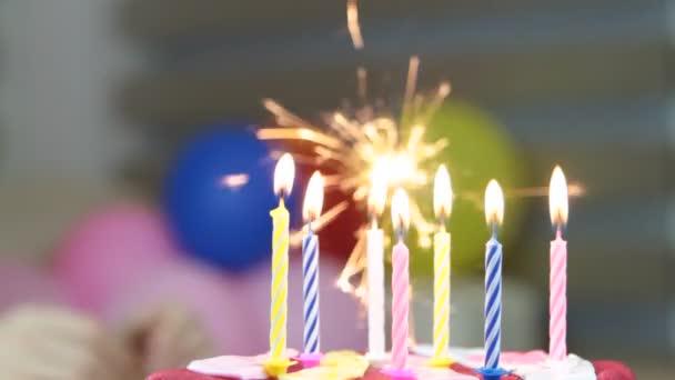Oslava narozenin, foukání svíčky