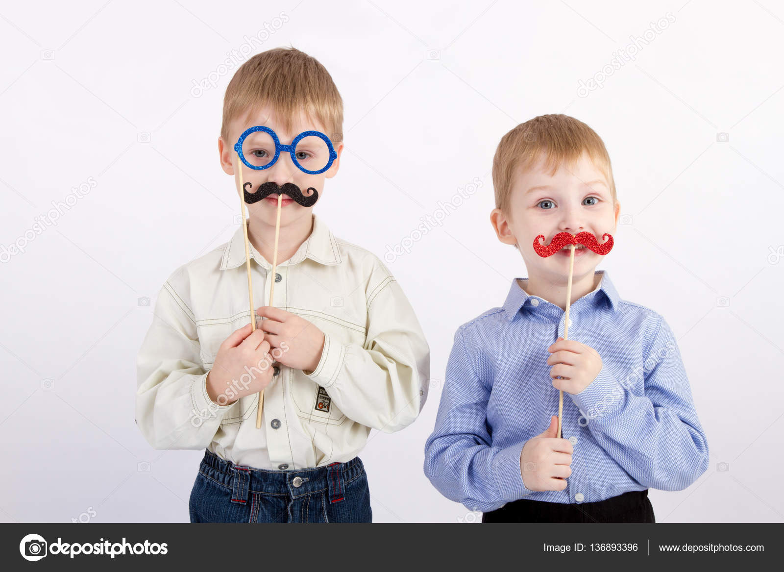 Фото детей с усами с надписями