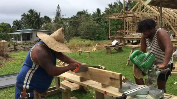 Vaříme Islanders, budování nového domova Rarotonga ostrov Cookovy ostrovy.