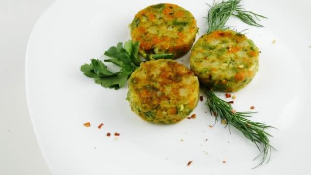 Zeleninové galety.Dietní misky, domácí pokrmy.Detailní záběry a rotace.