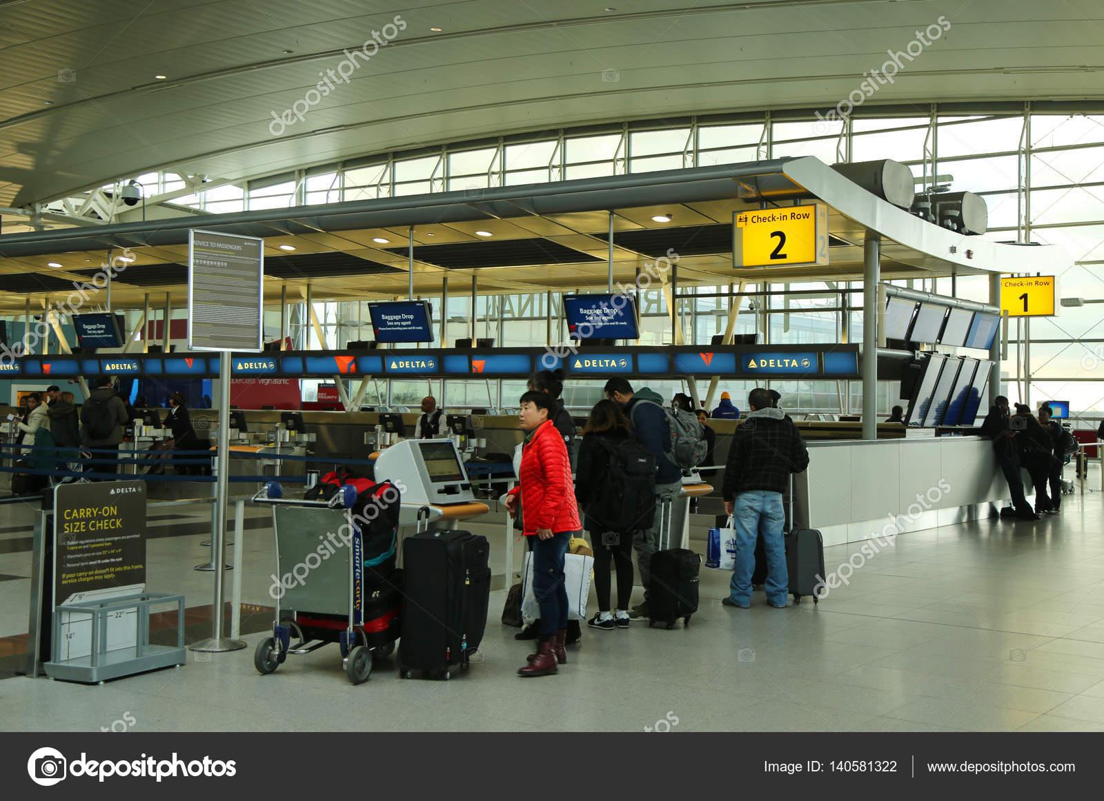 Aeroporto York : Dentro do delta airline terminal 4 no aeroporto jfk em nova york