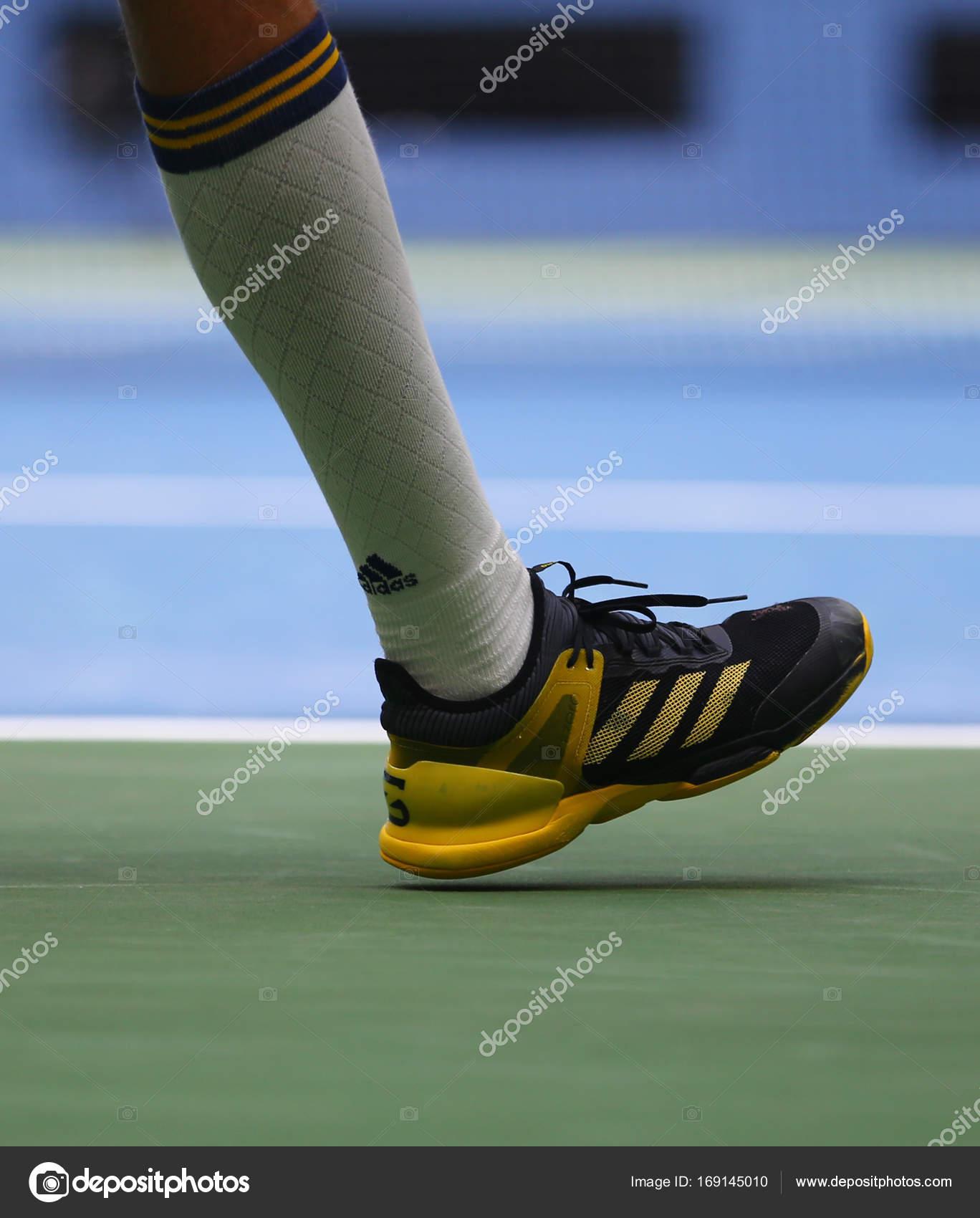 Giocatore di tennis professionista Alexander Zverev della