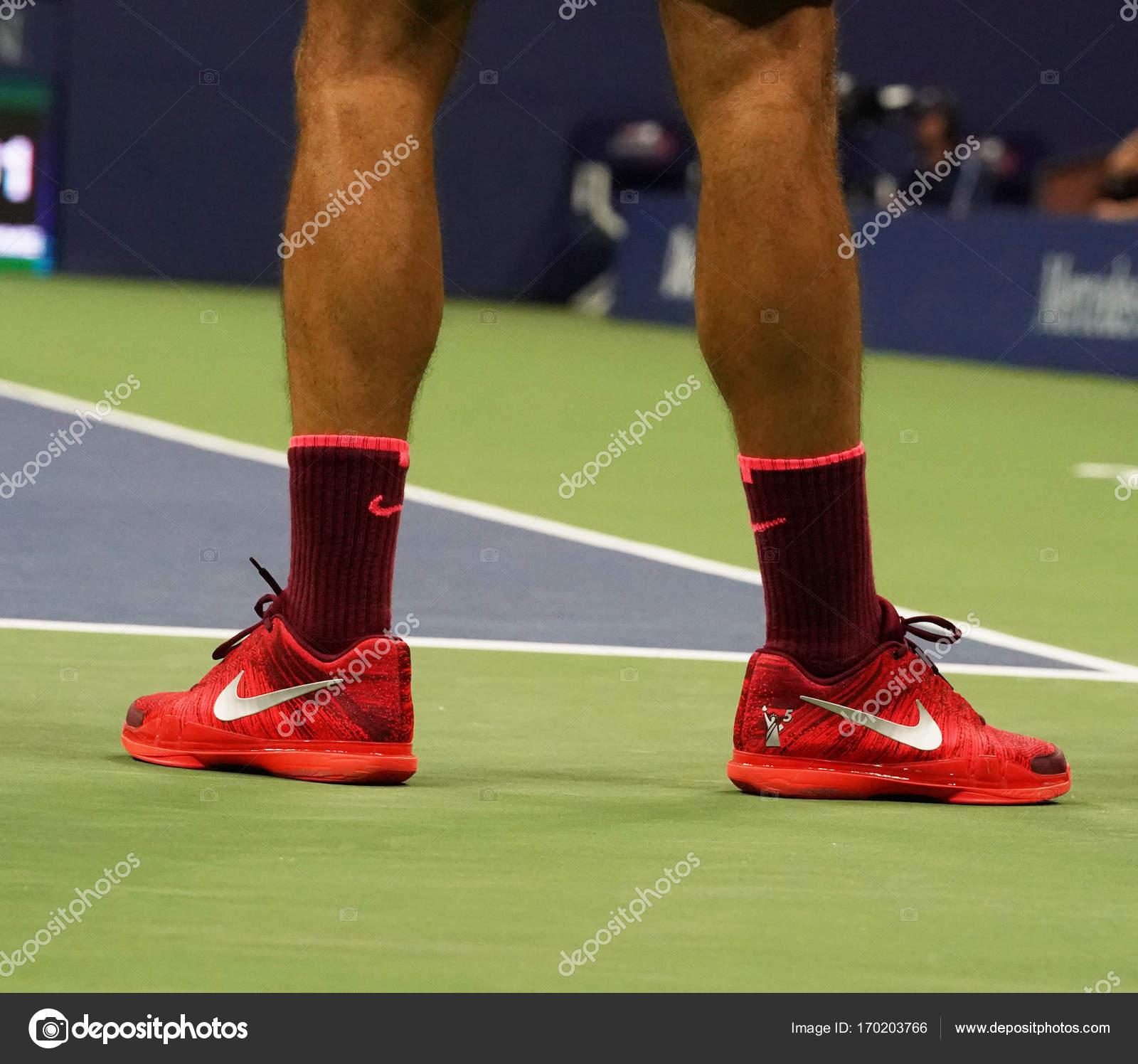 Grand Slam Champion Roger Federer der Schweiz trägt