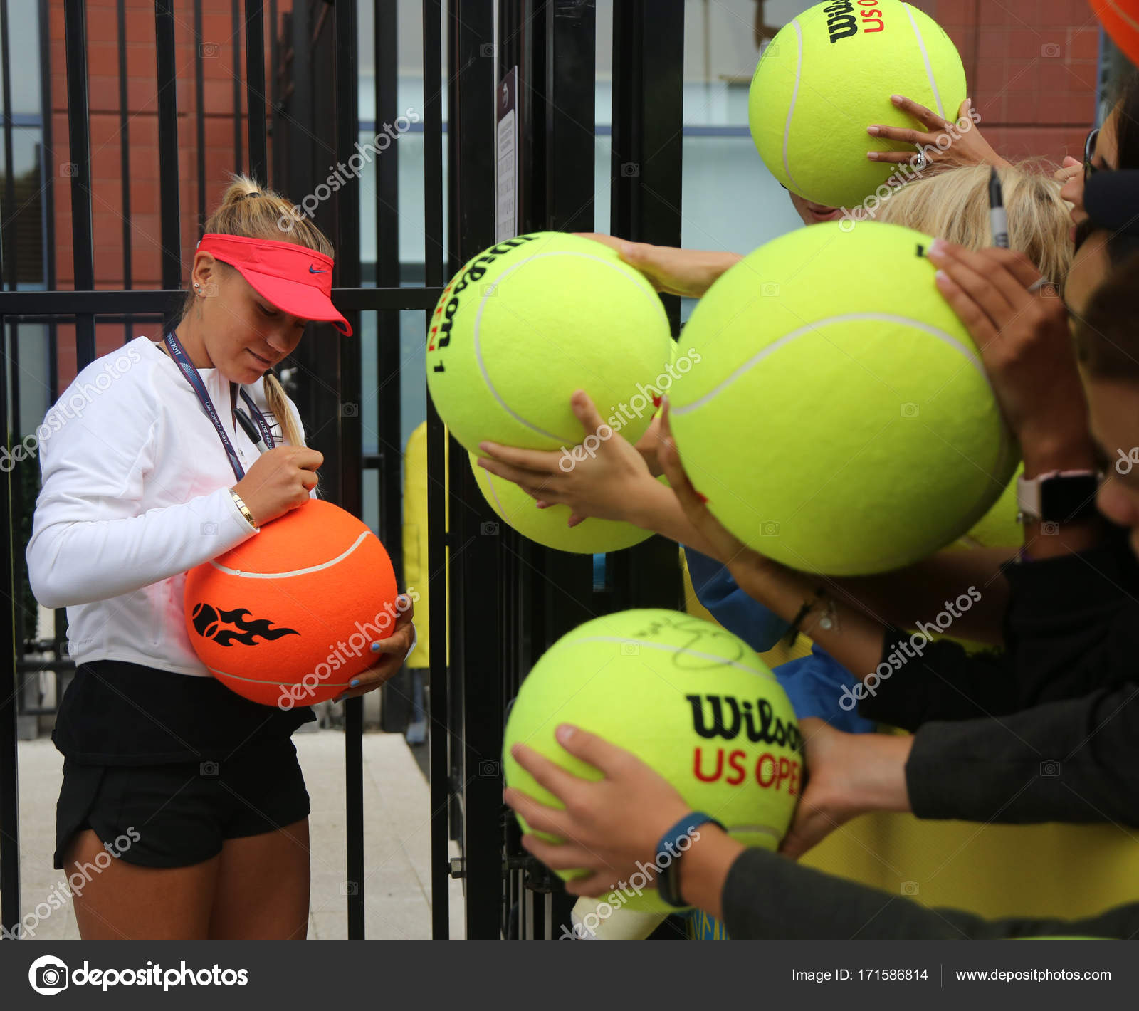 Professional Tennis Player Sofia Kenin Of United States Signs Autographs After Practice For Us Open 2017 Stock Editorial Photo C Zhukovsky 171586814