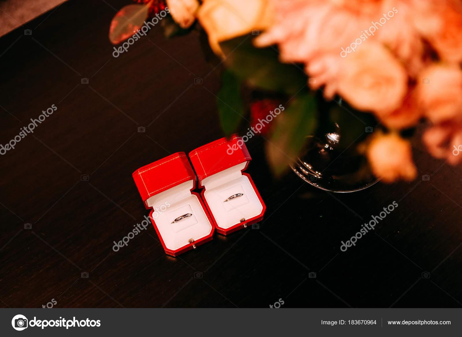 buy popular 76d99 b9915 カルティエ赤いボックス ゴールド花束の花をリングします ...