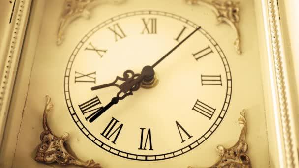 Szépia régi vágású antik nyugati római óra ketyeg lassan 1 szög