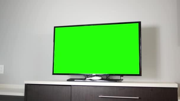 4k televizor nad moderní Komoda v okolní místnosti