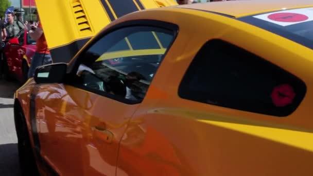 Zblízka pohled nový Ford Mustang