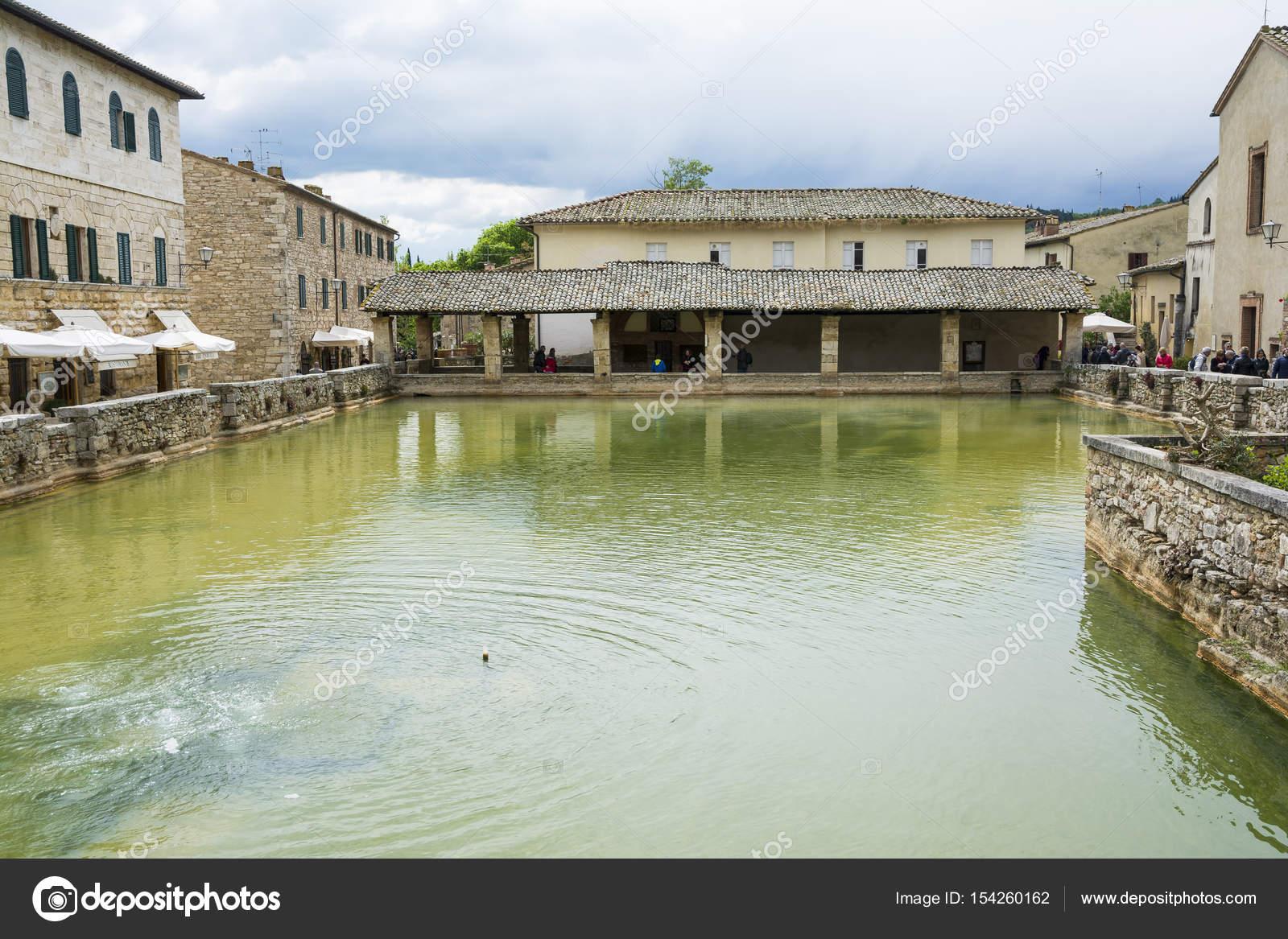 Bagni Vignone in Tuscany – Stock Editorial Photo © starmaro #154260162