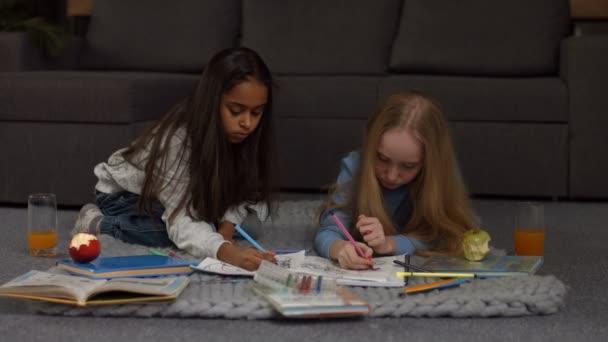 Sladké děti kreativní kresby a malby