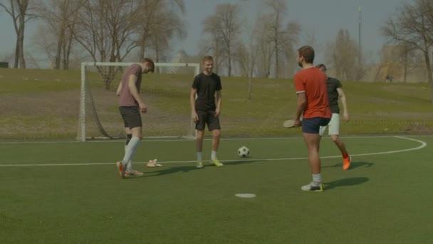 Dehnübungen, Beweglichkeitsübungen für Fußballer