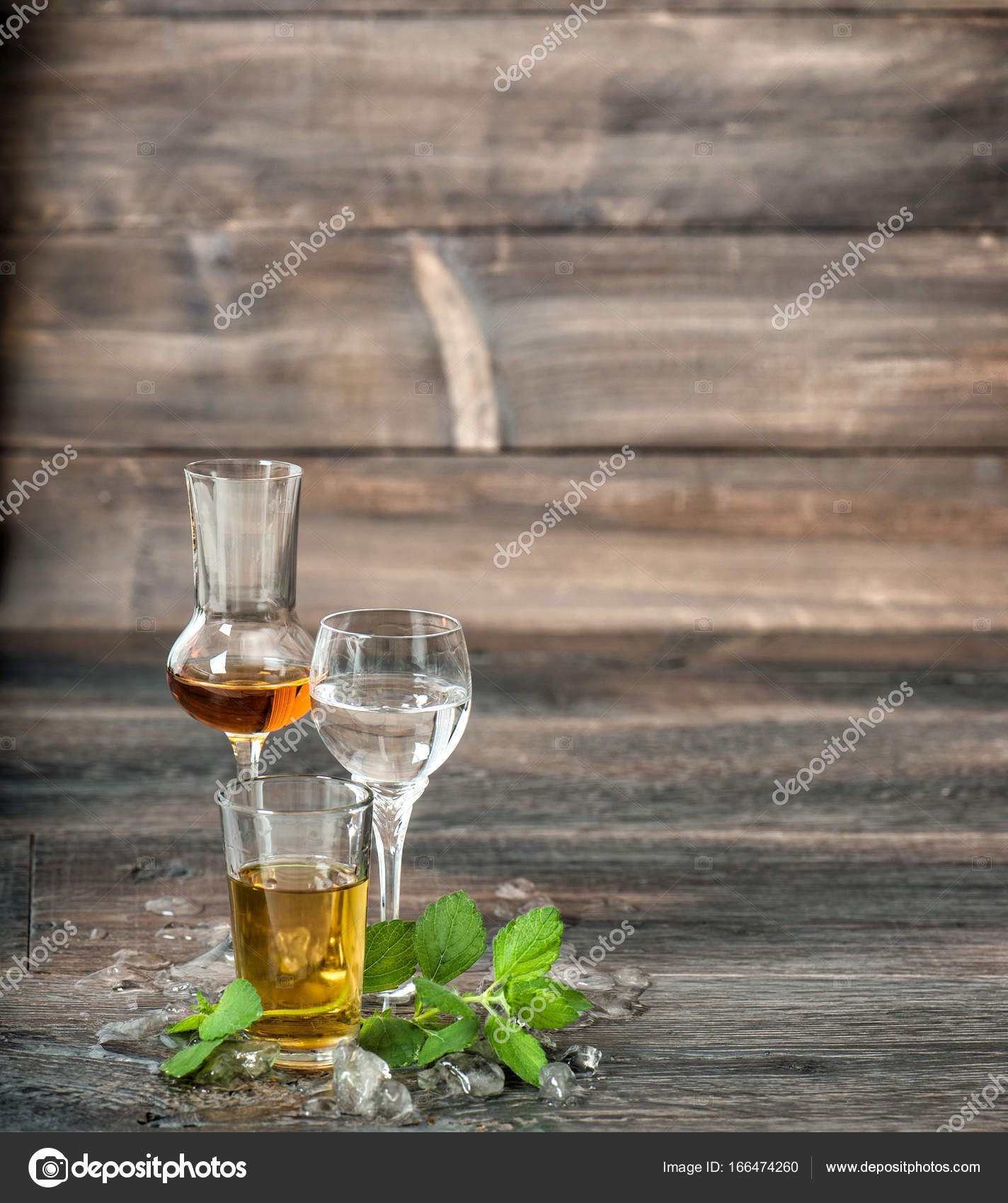Alkoholische Getränke Minze Eis Aperitif Whisky Likör Wodka ...