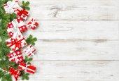 Karácsonyi dekoráció ajándék doboz fenyő fa ágai ünnepek banner