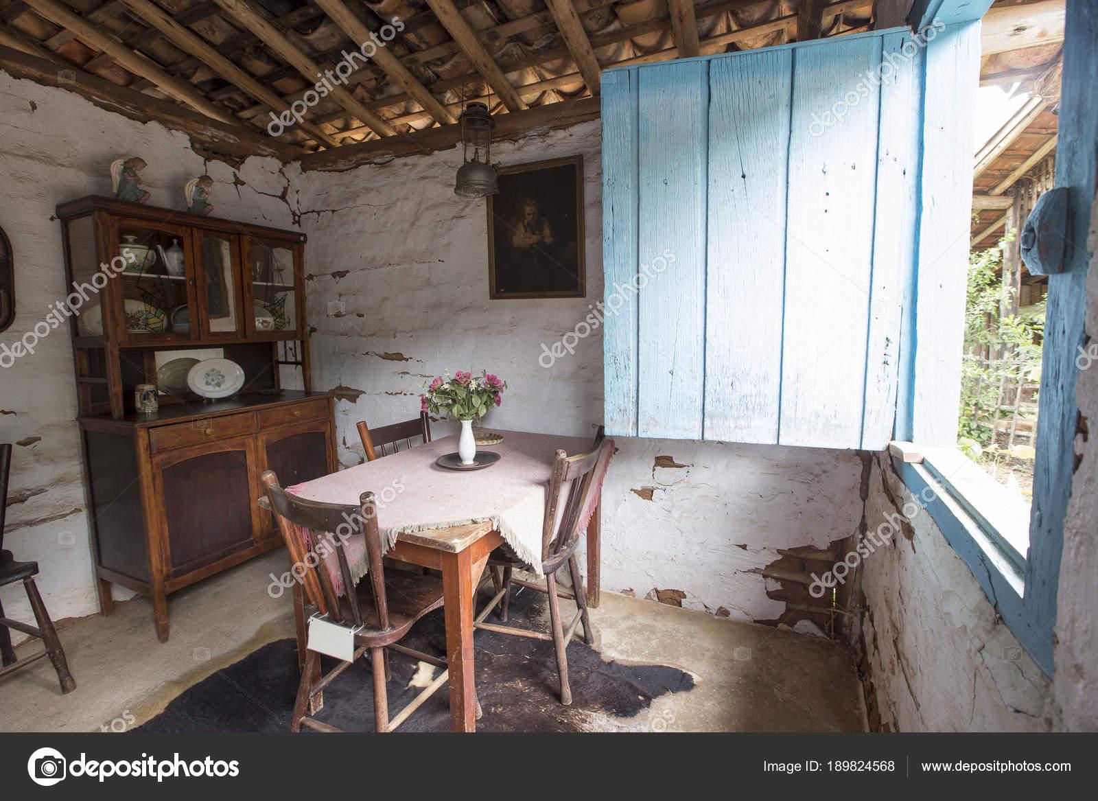 8a6191c2f04af Casa rural típica do interior do Brasil — Fotografia de Stock ...