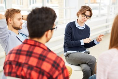 Woman counseling attendants of psychological course