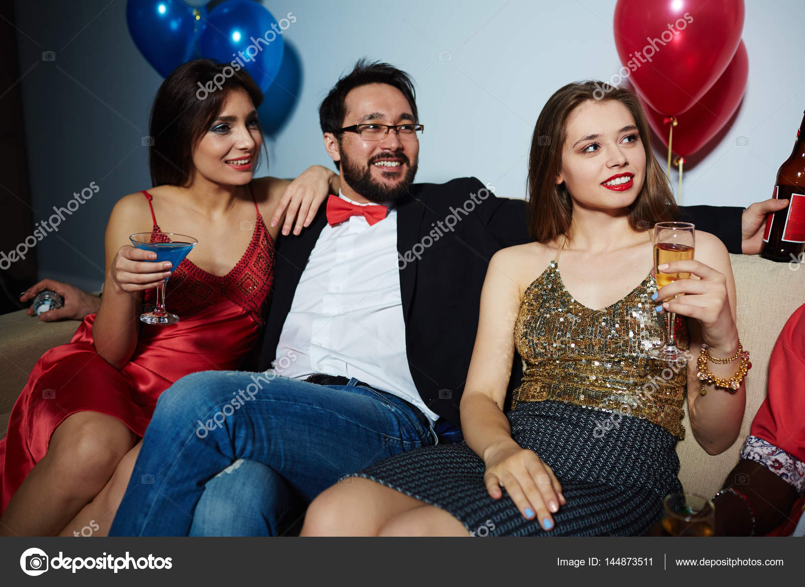 Big titis threesome porn video