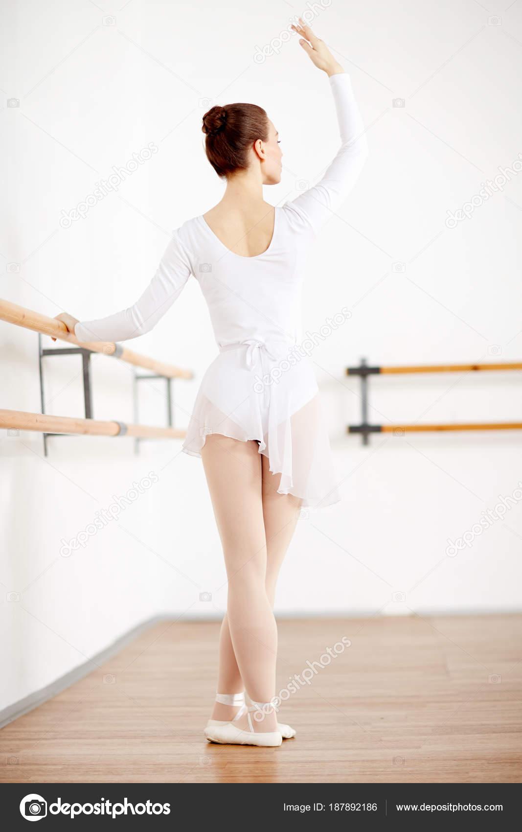 foto-pozitsiy-balerin