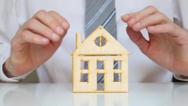 Koncept investic do nemovitostí. Hypotéka. Příjem z pronájmu.