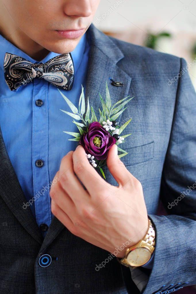 8183d4909443 Τζέντλεμαν Στο Γάμο Κομψό Άνδρα Κομψή Γάμος Φορεσιά Πεταλούδα Αξεσουάρ —  Φωτογραφία Αρχείου © OlhaSafronova  186972752