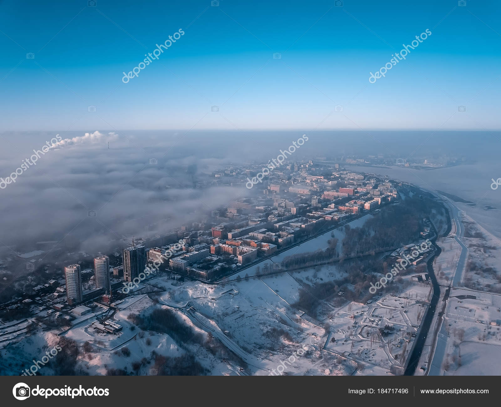 38cbb2471b7 City View Bird Eye View Winter City Dawn Fog — Stock Photo © Dukhnik ...