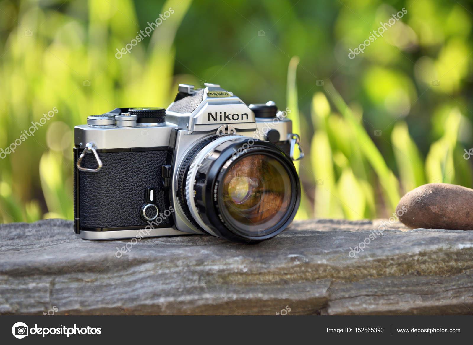 ニコン ビンテージ フィルム カメラ ストック編集用写真 fla 152565390