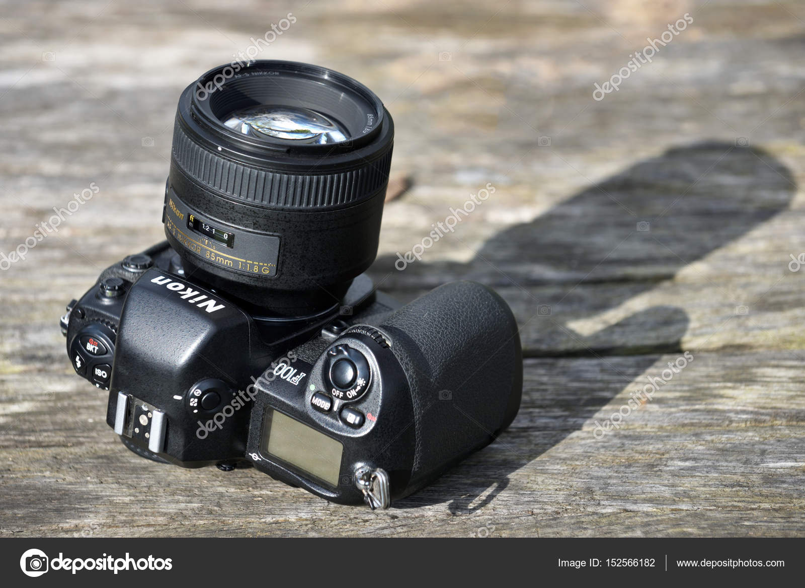 ニコン f 100 フィルム カメラ本体 ストック編集用写真 fla 152566182