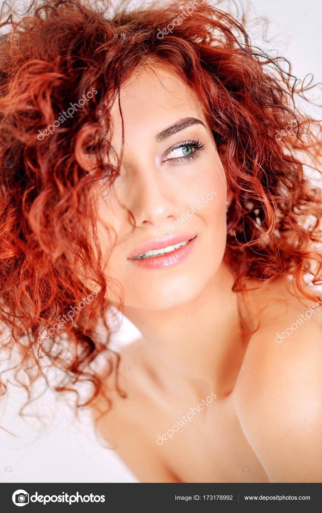 Immagini di capelli ricci rossi