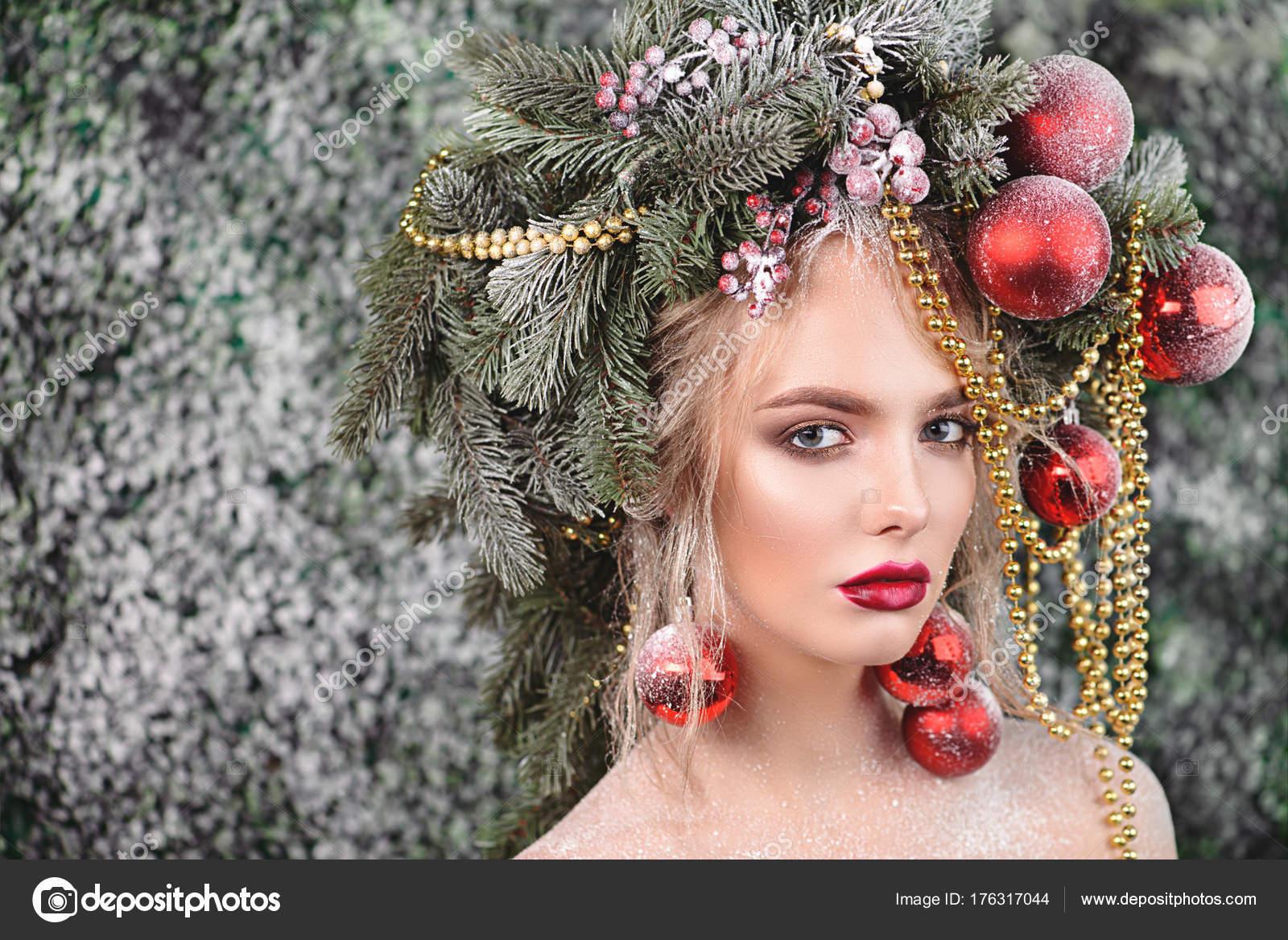 Xmas Tree In Hairstyle Stock Photo C Prometeus 176317044