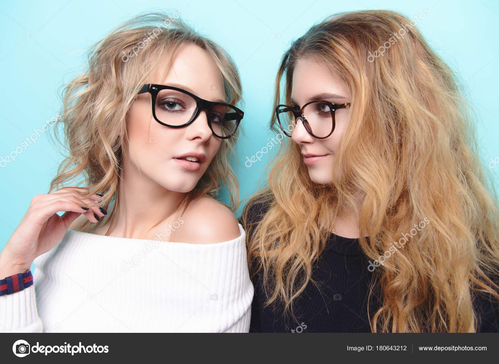 Imagenes Chicas Guapas Con Gafas Chicas Guapas En Gafas Foto De - Muchachas-guapas