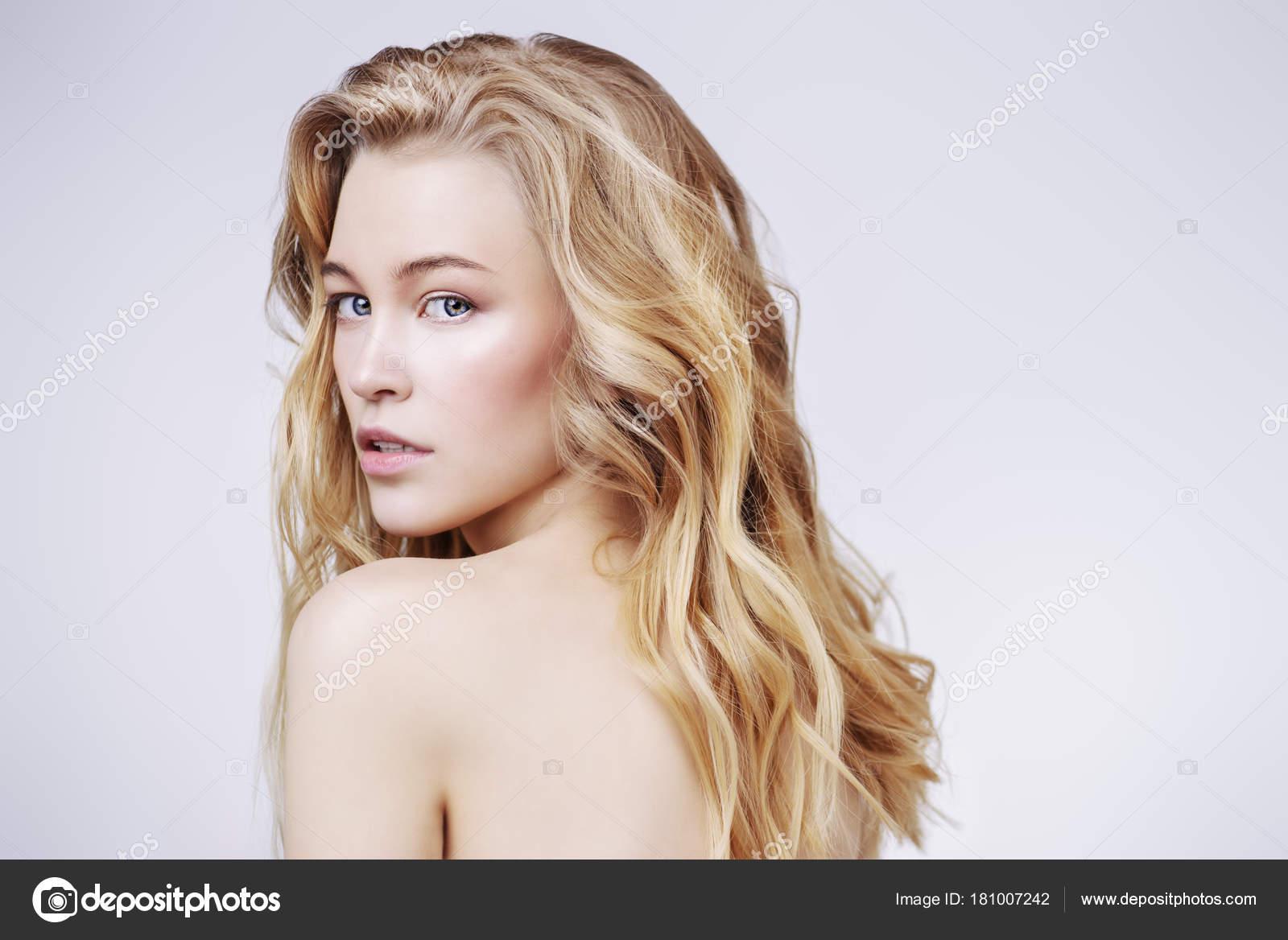 Blonde Mädchen nackte Bilder