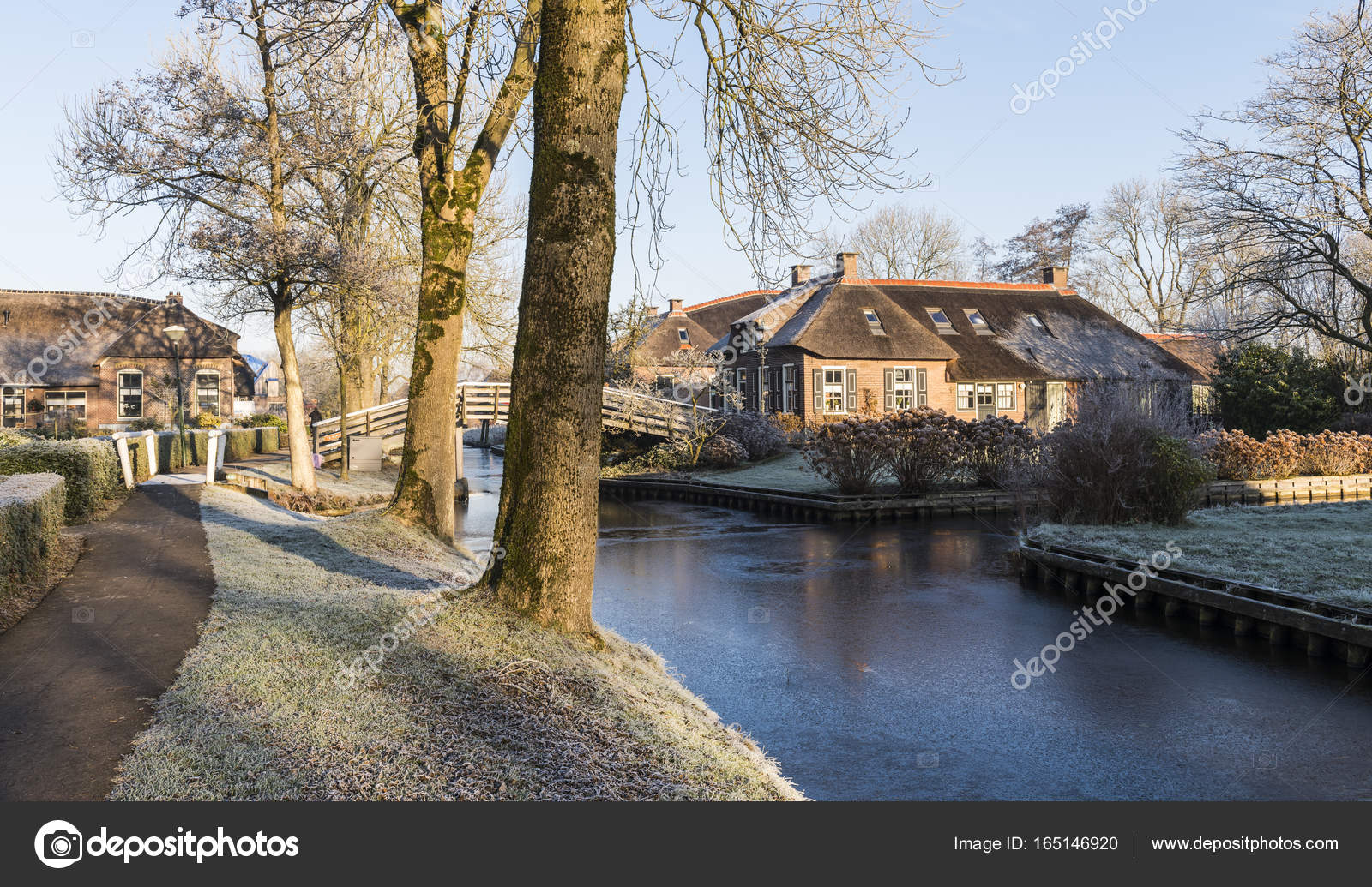 Winter Morning In Giethoorn Netherlands Stock Photo C Kloeg008