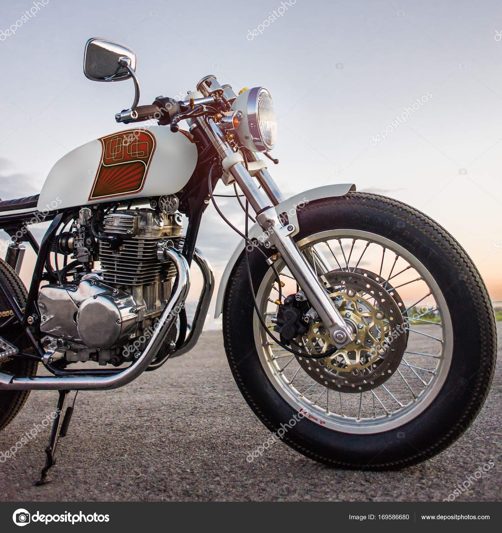 Foto di moto d 39 epoca foto editoriale stock svyatkovsky for Piani di fattoria d epoca