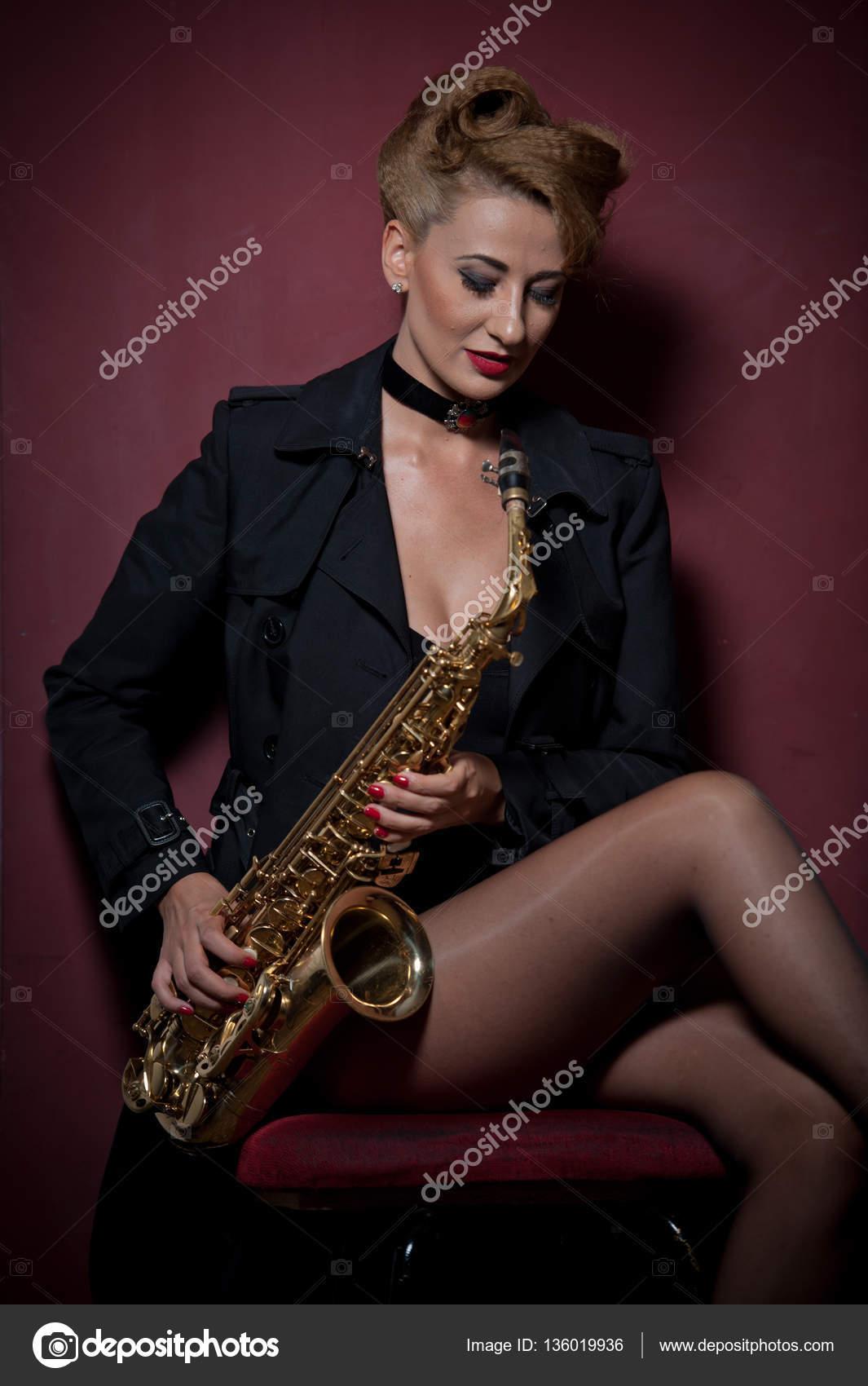 Сексуальные звуки саксофона