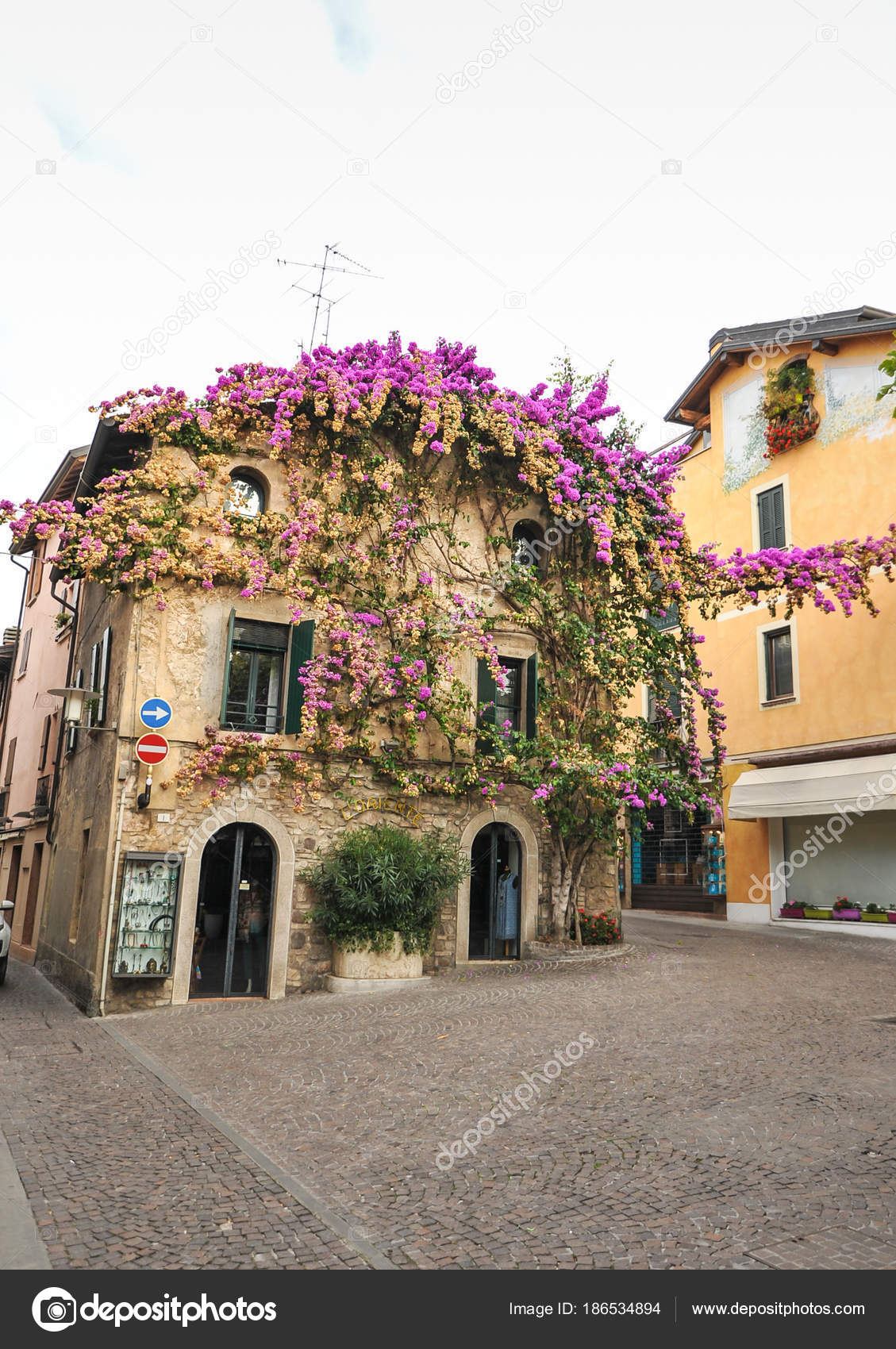 Decoracion Italiana Antigua Sirmione Italia Fachada Casa