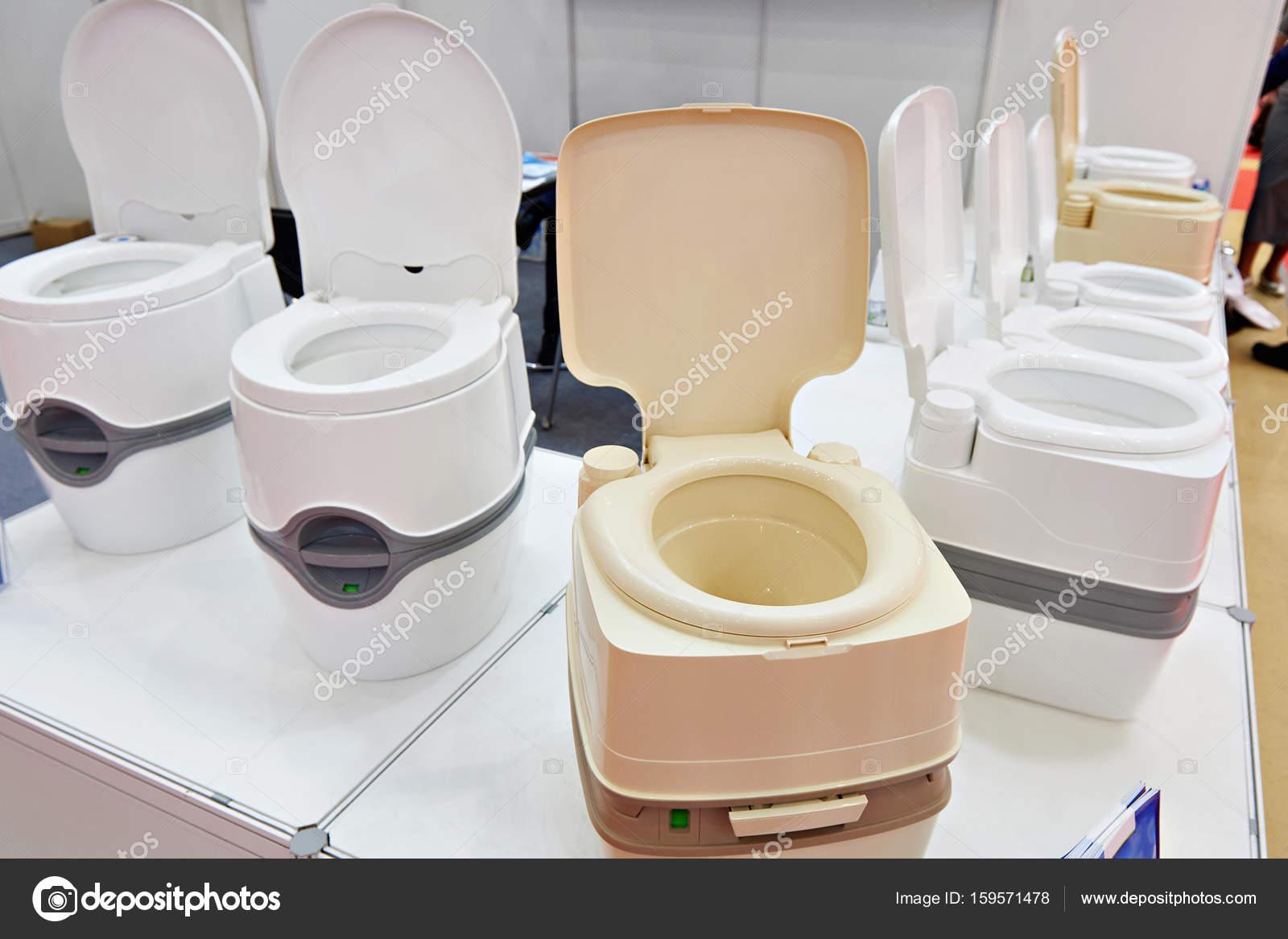 Chemische toiletten im shop auf ausstellung u2014 stockfoto © ryzhov