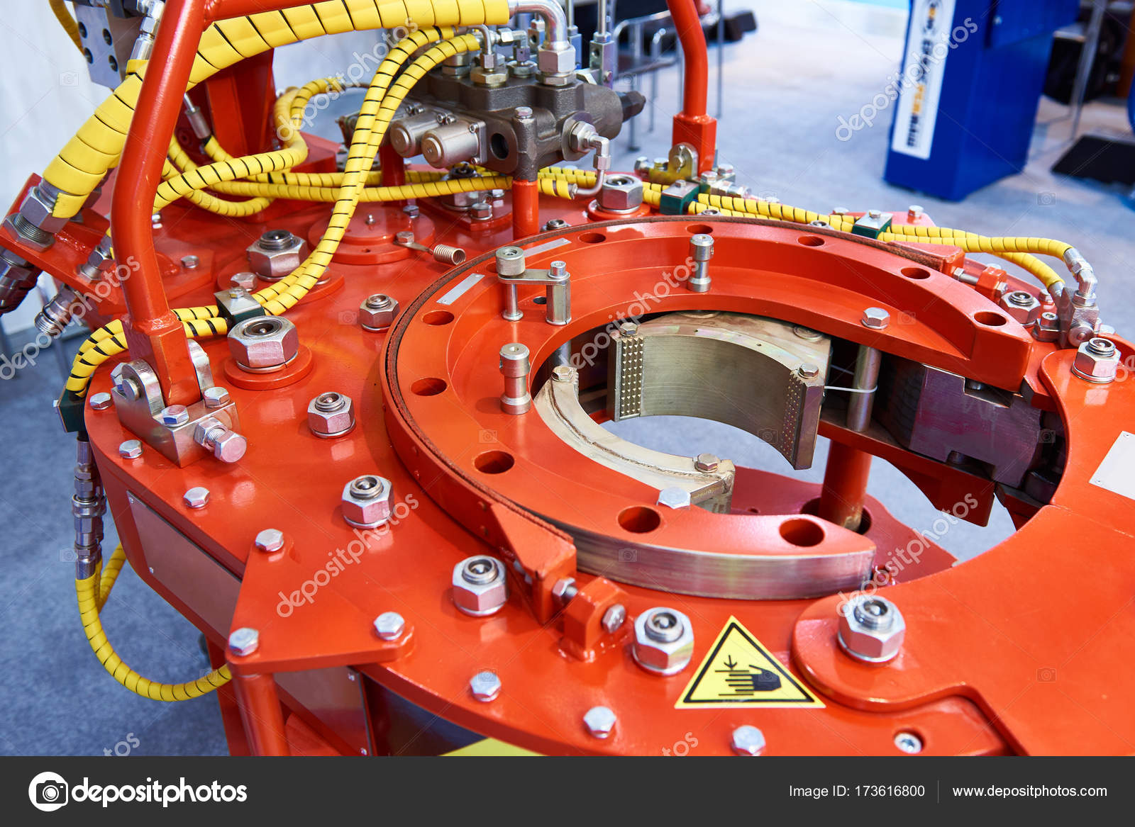 Hydraulic torque wrench for oil and gas industry — Stock