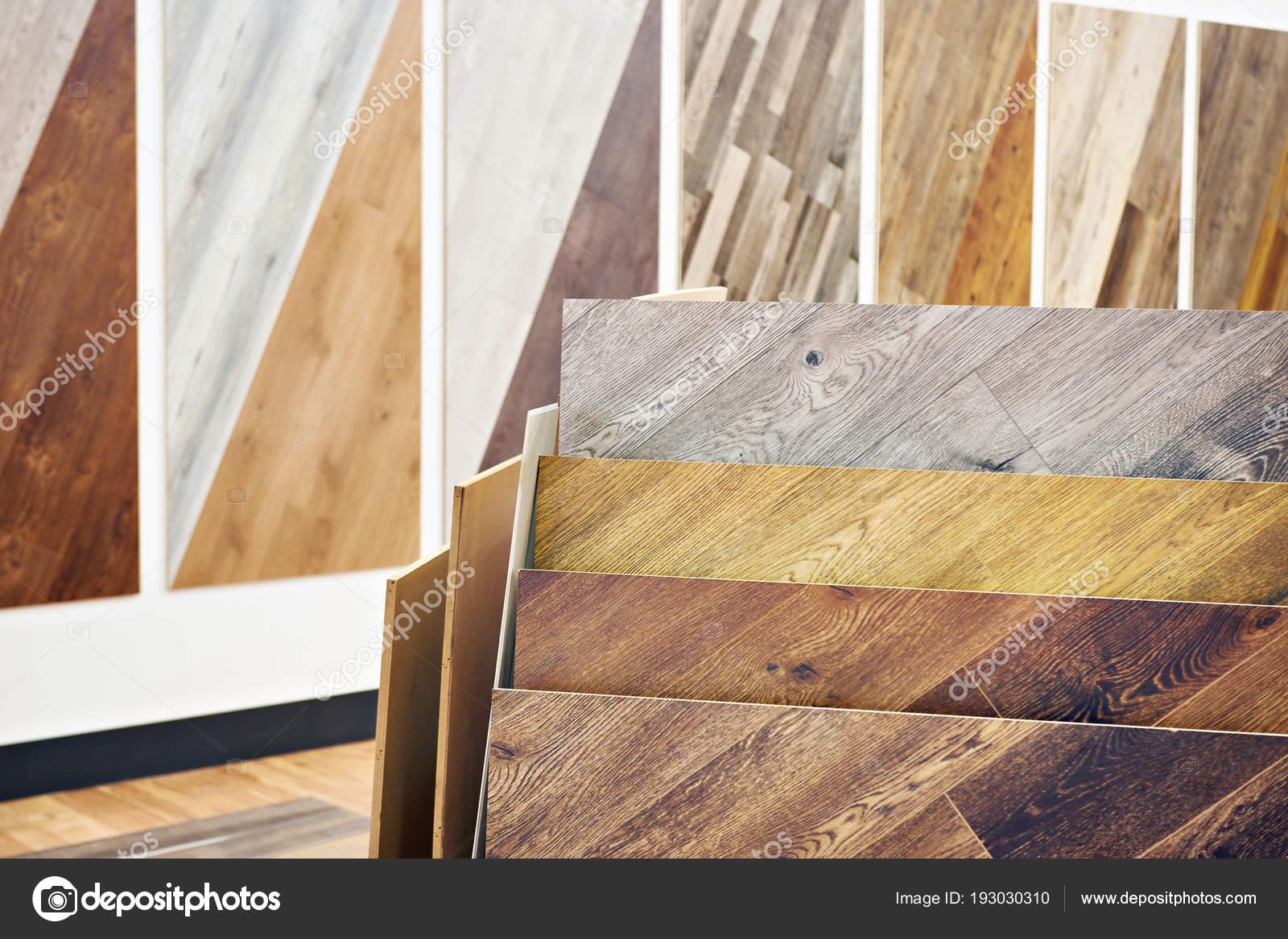 Decorazioni In Legno Per Pareti : Pannelli decorativi in legno nell archivio u foto stock ryzhov
