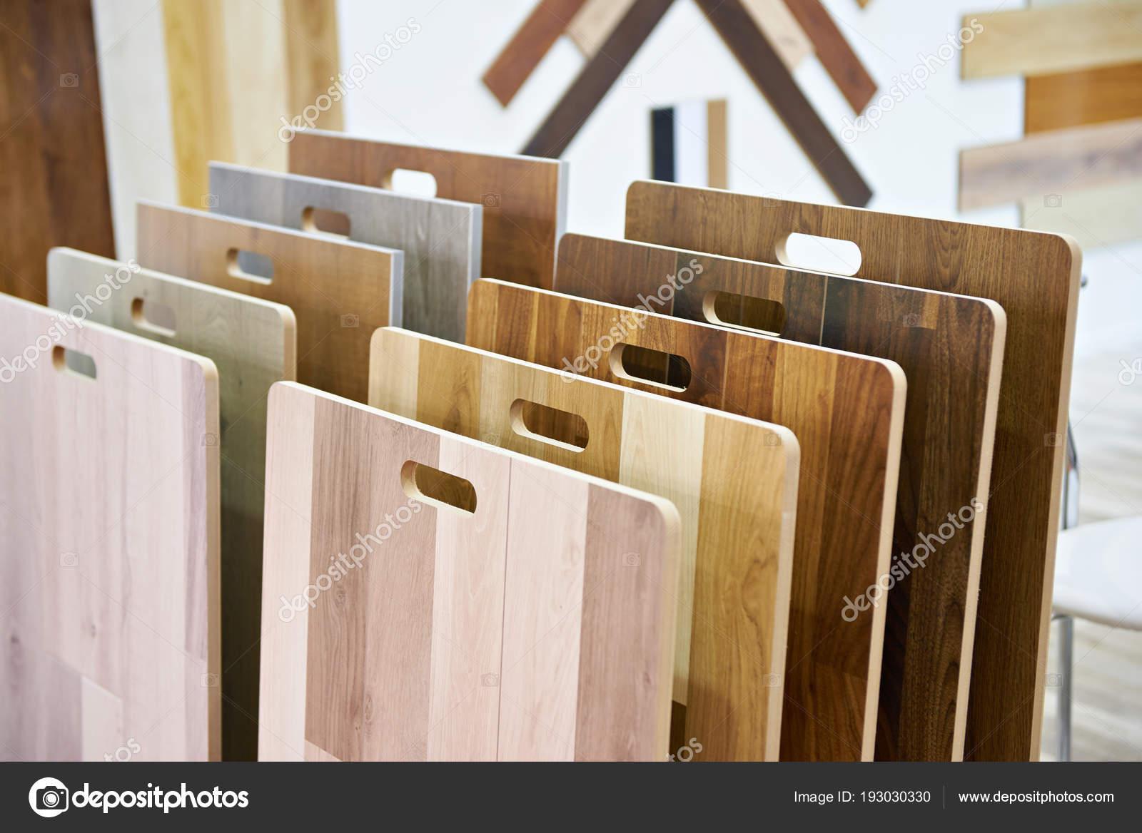 Decorazioni In Legno Per Pareti : Esempi di pannelli in legno per pareti e pavimento in negozio
