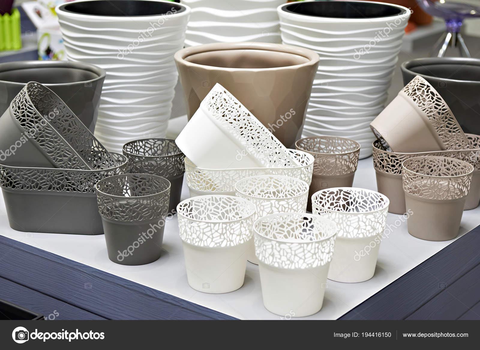 Articoli Plastica Per La Casa.Prodotti Di Plastica Nel Negozio Di Articoli Per La Casa