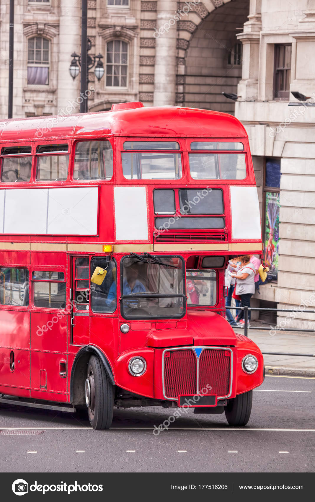 bus rouge deux tages londres angleterre ru photo ditoriale samot 177516206. Black Bedroom Furniture Sets. Home Design Ideas