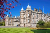Photo Palace of Holyroodhouse is residence of the Queen in Edinburgh, Scotland
