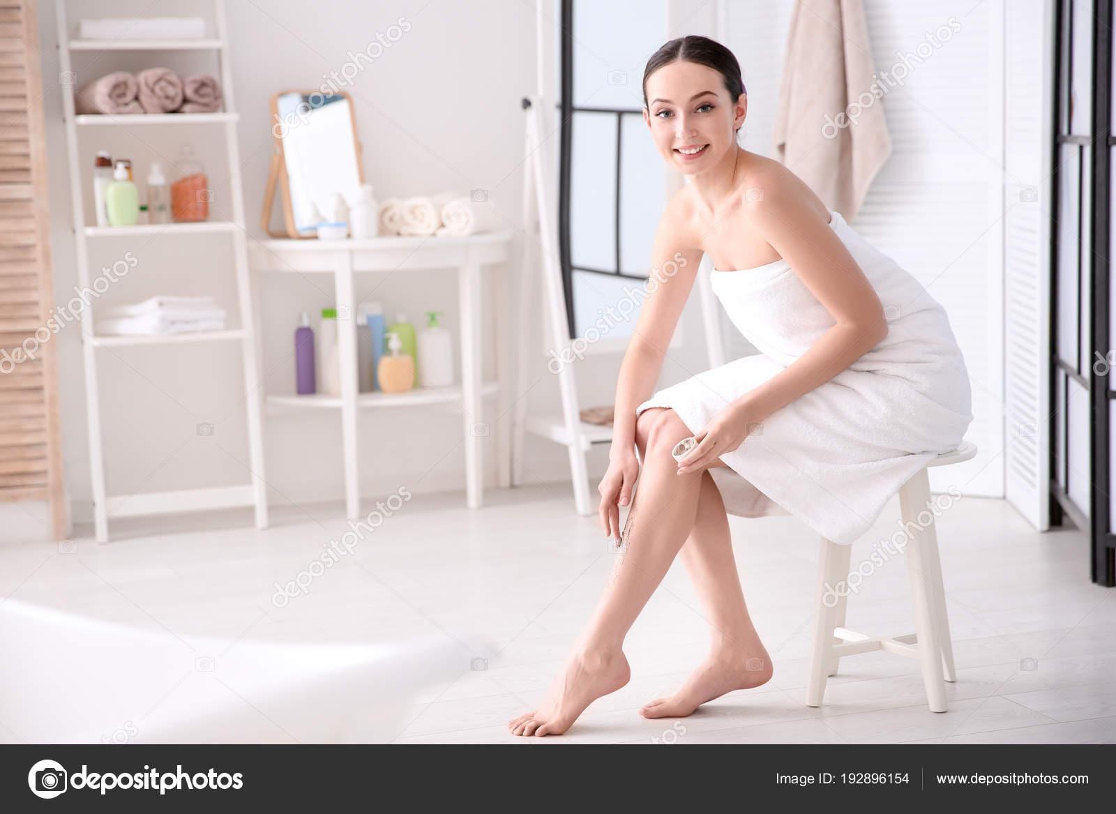 zhenshini-v-tele-domashnie-foto-russkaya-erotika-smotret